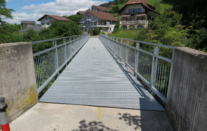 New bicycle bridge with Staco perfo planks